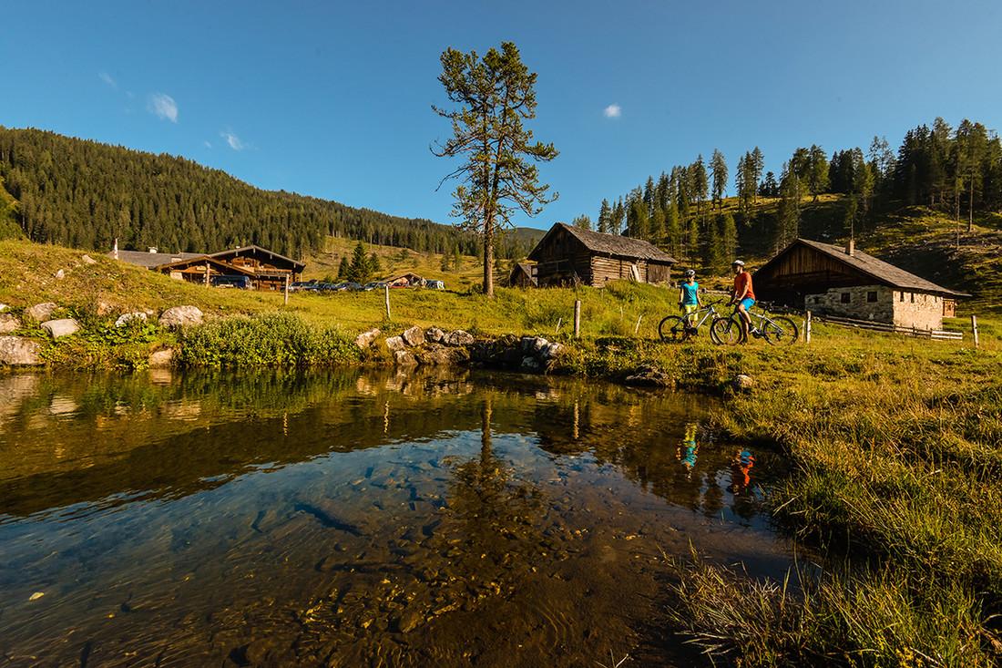 So schön ist der Sommer in Obertauern! Mit dem Mountainbike die Berge erobern.