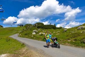 Selber gehen oder die Seilbahn benutzen, alles ist möglich beim Bergwandern mit Kindern in Obertauern.